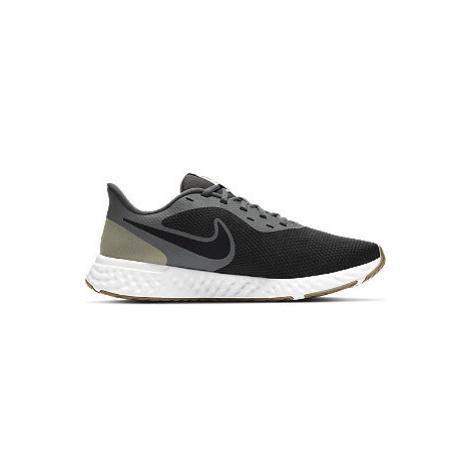 Černé tenisky Nike Revolution 5