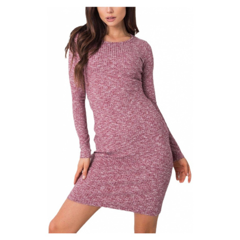 Růžové svetrové šaty s průstřihem Rue Paris