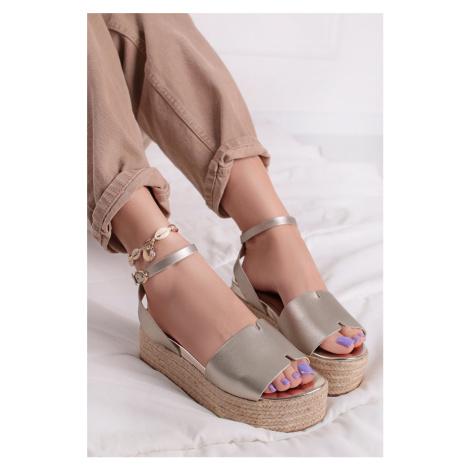 Zlaté platformové sandály 1-28023 Tamaris