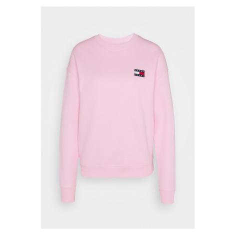 Tommy Hilfiger Tommy Jeans dámská růžová mikina BADGE CREW
