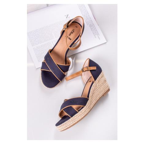 Tmavě modré platformové sandály 5-28307 s.Oliver