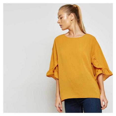 Žlutá halenka – Barbara