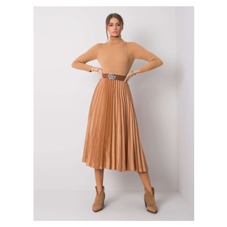 Ladies´ beige pleated skirt
