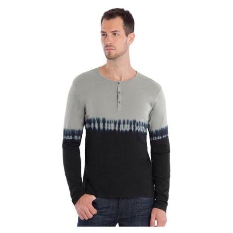 GUESS tričko Hart Jersey Dip Dye Henley