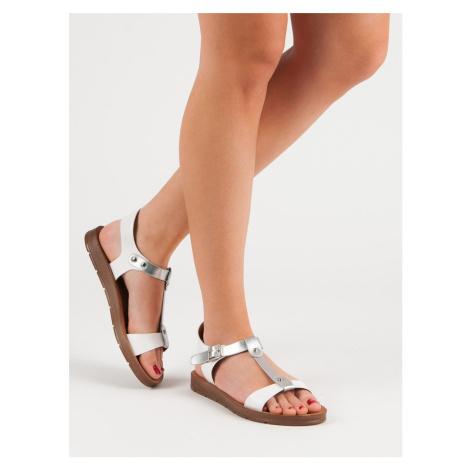 Výborné dámské bílé  sandály bez podpatku FILIPPO