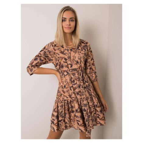 Béžové dámské šaty s motivem květin LK-SK-508308-2.31P-beige BASIC