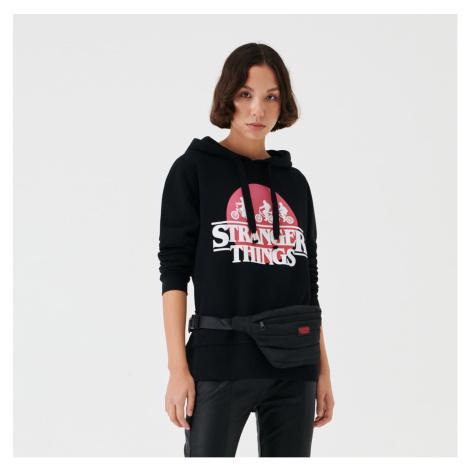 Sinsay - Mikina s kapucí Stranger Things - Černý