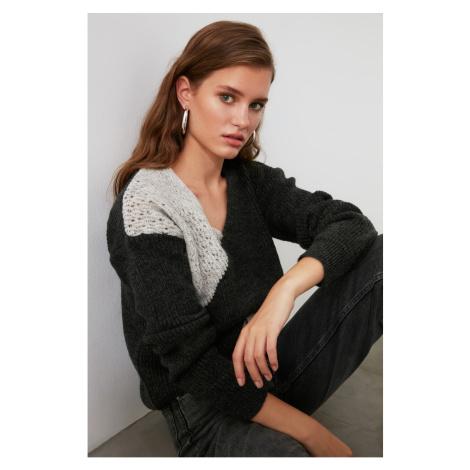 Dámský svetr Trendyol V-neck