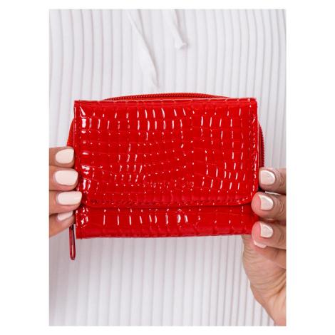 Dámská červená peněženka s reliéfem jedna