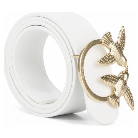 Bílý kožený pásek PINKO se zlatou sponou.