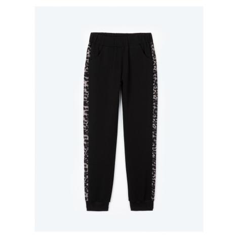 GATE Strečové kalhoty jogger s lampasy a zvířecím potiskem