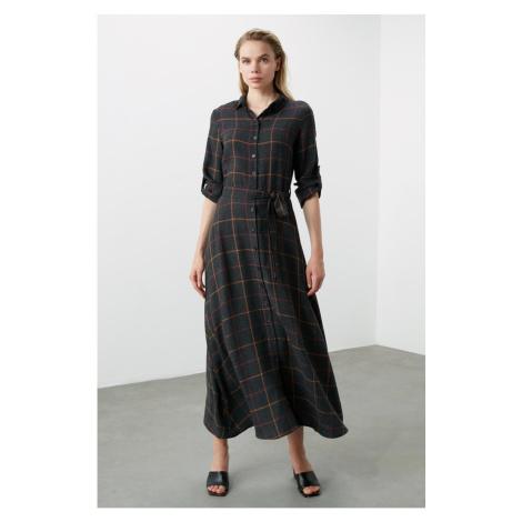 Dámské šaty Trendyol Shirt