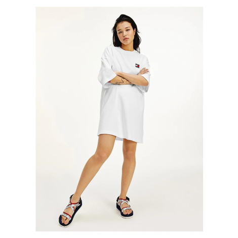 Tommy Hilfiger Tommy Jeans dámské bílé oversize šaty TJW OVERSIZED BADGE TEE DRESS