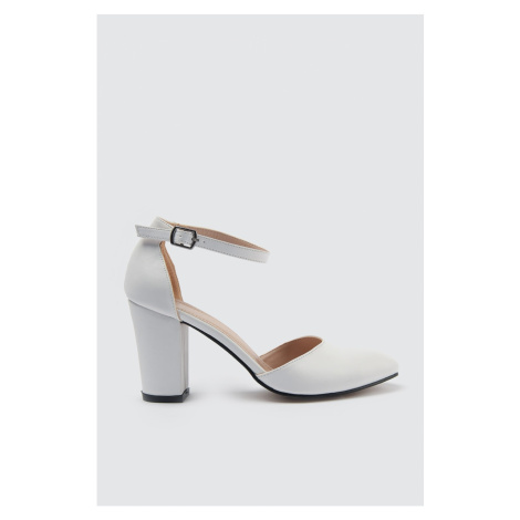Trendyol Women's Classic Heels with White Ankle Band