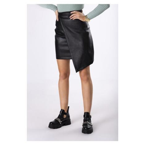Černá sukně z eko kůže M83114