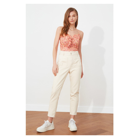 Trendyol Ecru Waist Pleated Pocket Detailed Mom Jeans