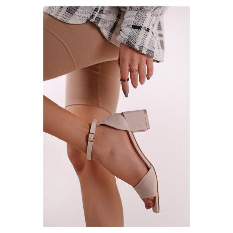 Béžové semišové sandály na hrubém podpatku Arabella Ideal