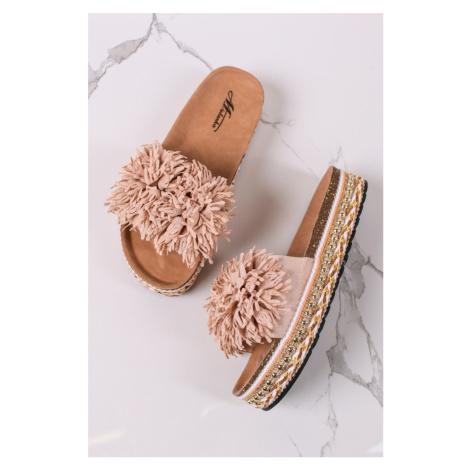 Béžové nízké pantofle Amarylis Mulanka