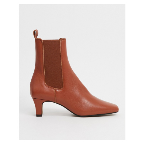 Chio square toe chelsea boots in tan leather