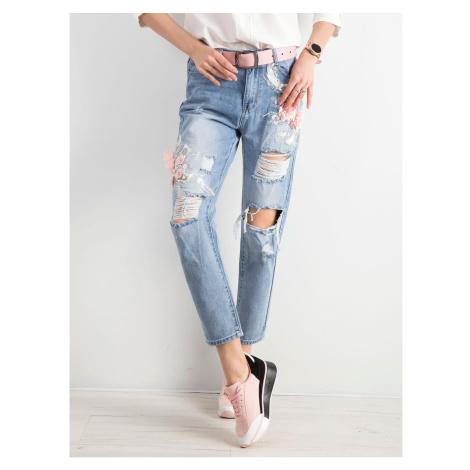Boyfriend jeans with light blue appliqués Fashionhunters