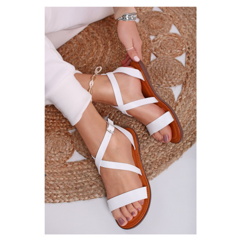 Bílé nízké sandály Janelle