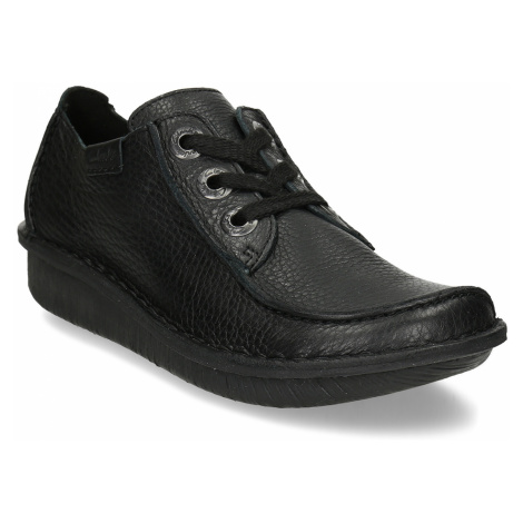 Černá dámská kožená obuv s asymetrickou špičkou