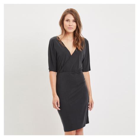 Černé šaty Viatetsy Vila
