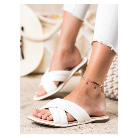 Zajímavé dámské bílé nazouváky bez podpatku RENDA