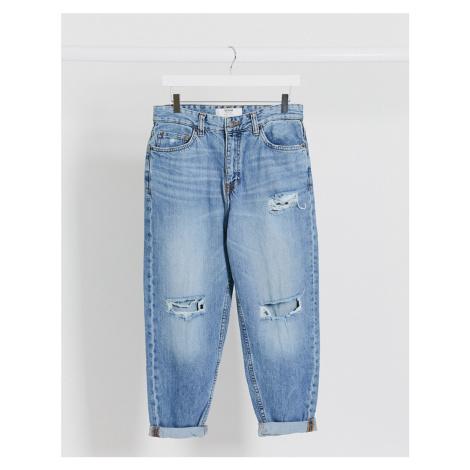 Bershka loose fit jeans in blue