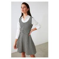 Trendyol Šaty