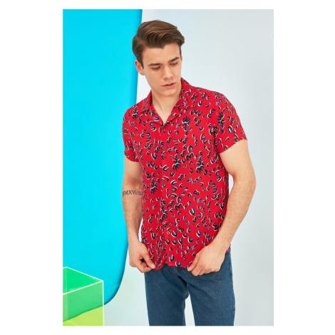 Trendyol Red Men's Regular Fit Apaş Collar Short Sleeve Shirt