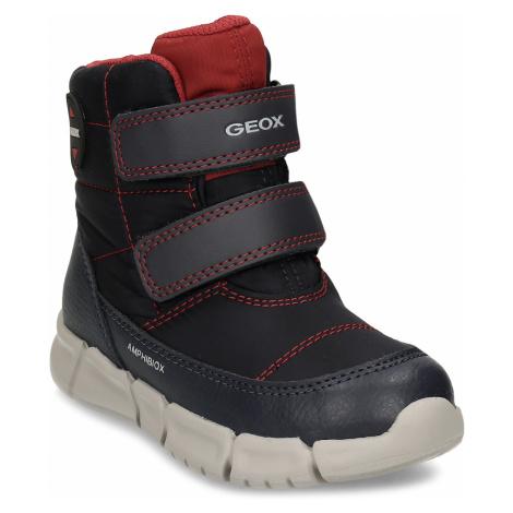 Tmavě modrá chlapecká zimní obuv Geox