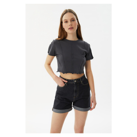 Trendyol Black Hem Folded Denim Shorts