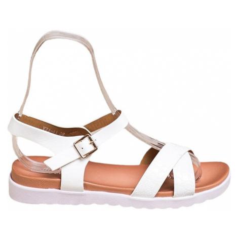 Bílé sandálky z eko kůže