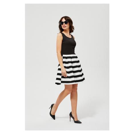 Moodo černo-bílé šaty s pruhy