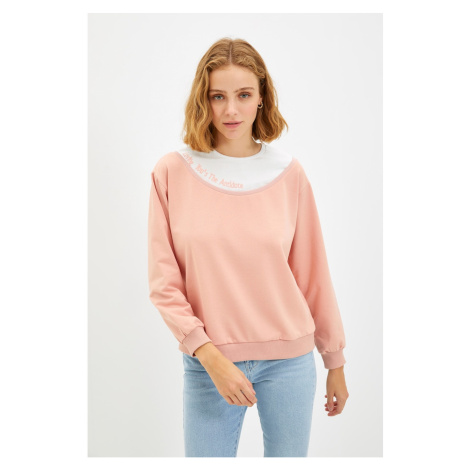 Trendyol Pink Embroidery Basic Knitted Sweatshirt