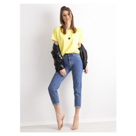 Oversize blouse with a pocket lime Fashionhunters