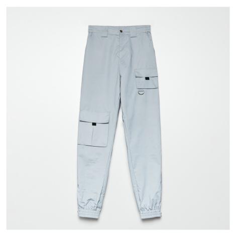 Cropp - Kalhoty JOGGERS CARGO - Světle šedá