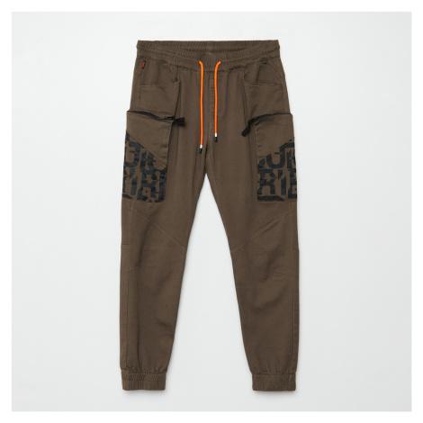 Cropp - Kalhoty jogger cargo - Khaki