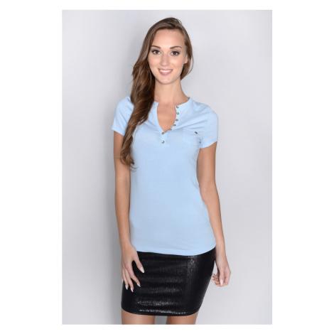 Tričko do V a průřezy na zádech barva pastelově modrá