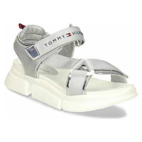 Stříbrné dětské sandály na bílé robustní podešvi Tommy Hilfiger
