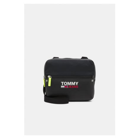 Tommy Hilfiger Tommy Jeans černá crossbody CAMPUS TWIST CHEST BAG