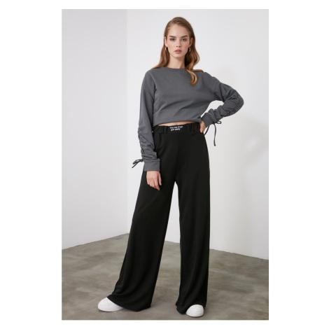 Dámské kalhoty  Trendyol Embroidery
