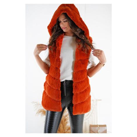 Oranžová kožešinová vesta s kapucí Brianna