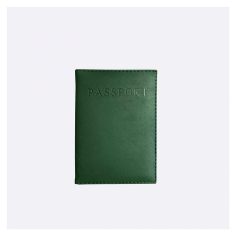 Tmavě zelený obal na cestovní pas