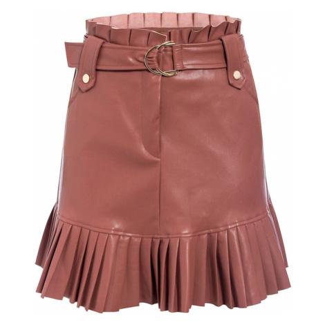 Módní černá mini sukně kožená s volánky a páskem s přezkou