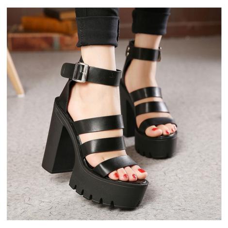 Kožené černé boty bílé na podpatku s plnou patou a volnou špičkou