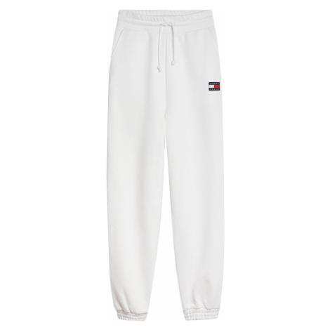 Tommy Hilfiger Tommy Jeans dámské bílé tepláky ORGANIC BADGE SWEATPANT