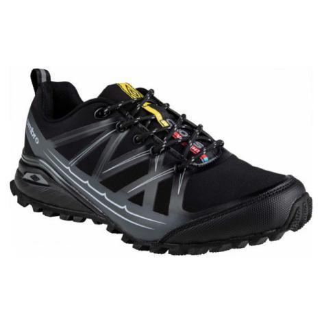 Umbro JACKUZZI černá - Pánská trailová obuv