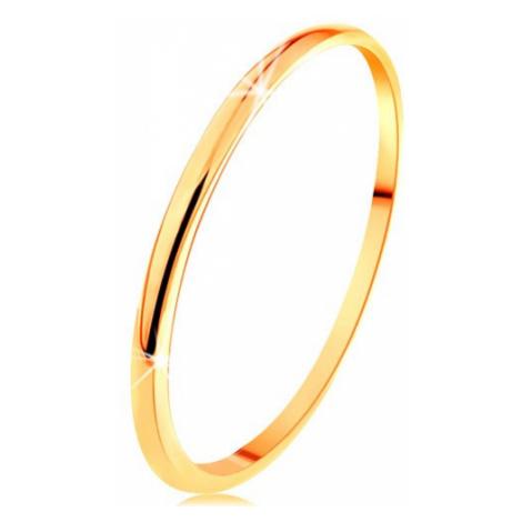 Tenký prsten ve žlutém 14K zlatě, hladký a mírně vypouklý povrch Šperky eshop